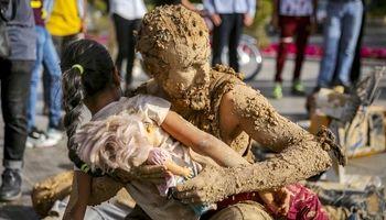 بداهه سیل انسانی«گل رو» در شیراز +تصاویر