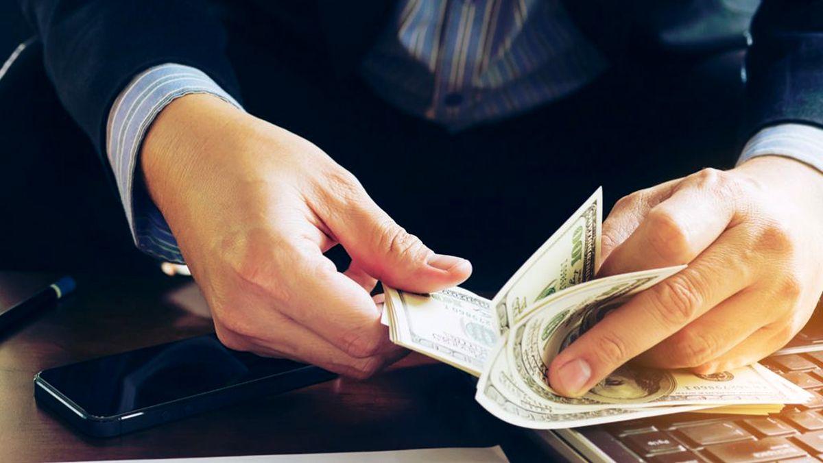 درآمدزایی با اطلاعات فروشی