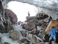 ریزش غار در جاده چالوس 2مصدوم بر جای گذاشت
