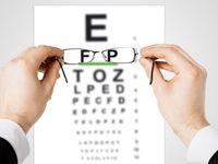 ۸ دلیل شایع کم بینایی