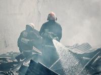 آتشسوزی گسترده در انبار لوازم یدکی خودرو +عکس
