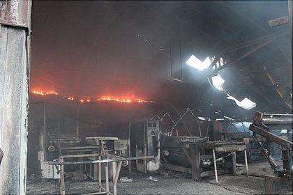 آتشسوزی در کارخانه ظروف یکبار مصرف +عکس
