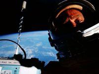 ناسا آلبوم عکسی از سلفیهای فضانوردان را منتشر کرد +تصاویر