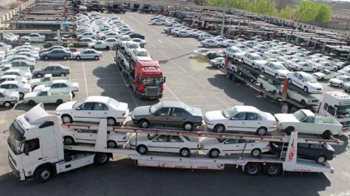 نوسان نرخ ارز، بازار خودرو را قفل کرد