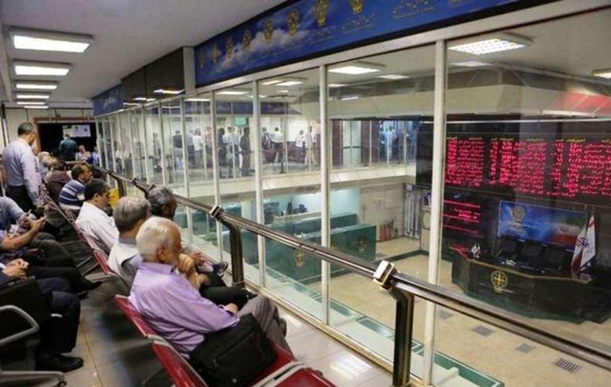 عملیات شرکتهای بیمهای عامل اصلی استقبال از سهام آنها در بورس نبود