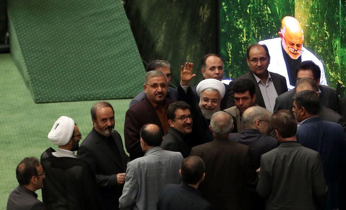 استقبال گرم نمایندگان مجلس از رییس جمهور +عکس