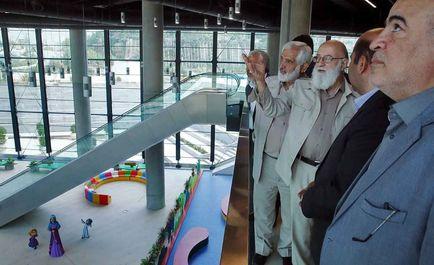 حاشیههای برگزاری جلسه شورای شهر در باغ کتاب