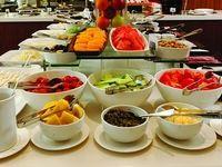 تور کیش و وعدههای صبحانه، نهار و شام بوفه ترنج