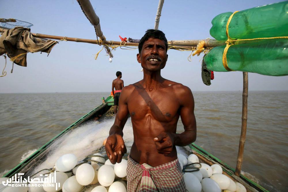 2ماهیگیری در ساحل جزیره هندی گورامارا