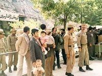 عکسی زیرخاکی از احمدینژاد و فرزندانش