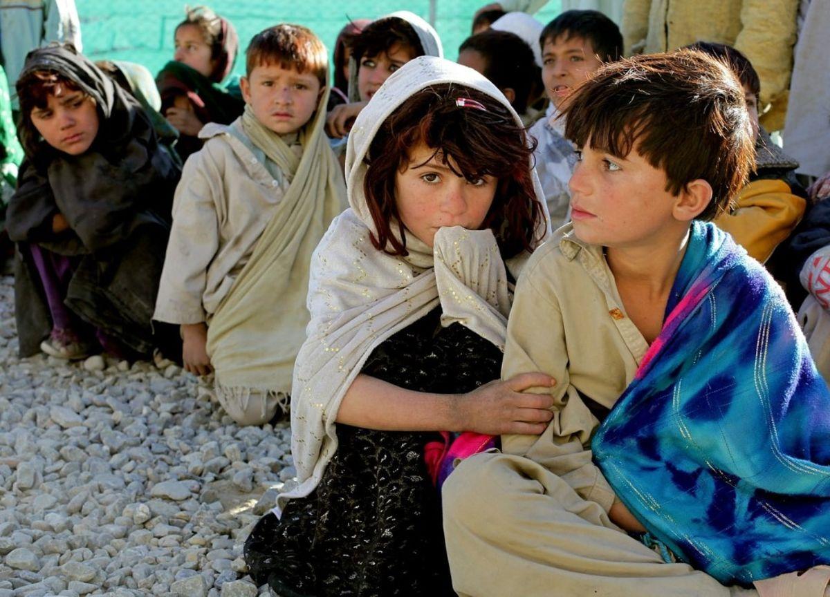 دلارهای آمریکایی عامل فساد اقتصادی سران افغان / افغانستان ششمین کشور فقیر جهان