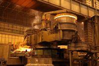 28هزار درصد سود نتیجه تفاوت قیمت 60درصدی ورق در بورس و بازار/ چه کسانی از سفره رانت فولاد منتفع میشوند؟