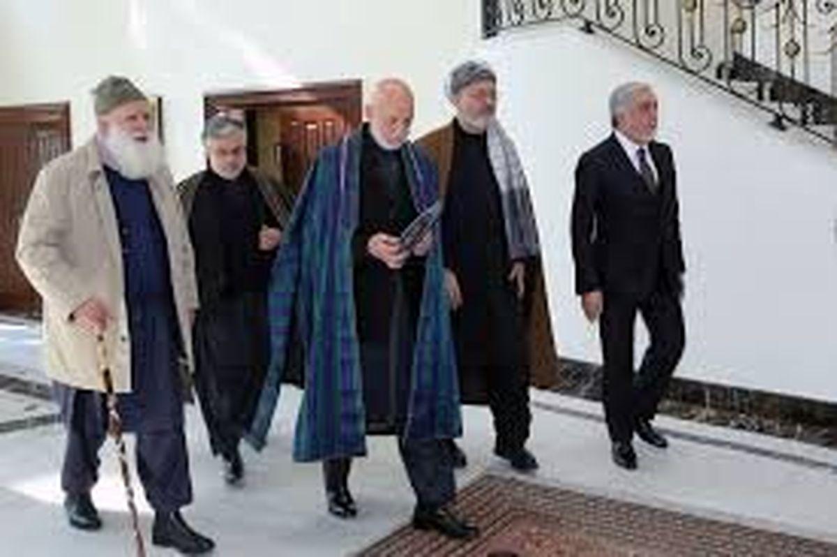 دیدار عبدالله عبدالله و کرزای با یکی از رهبران ارشد طالبان در کابل