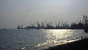 اوکراین 15 کشتی را بخاطر سفر به کریمه توقیف کرد