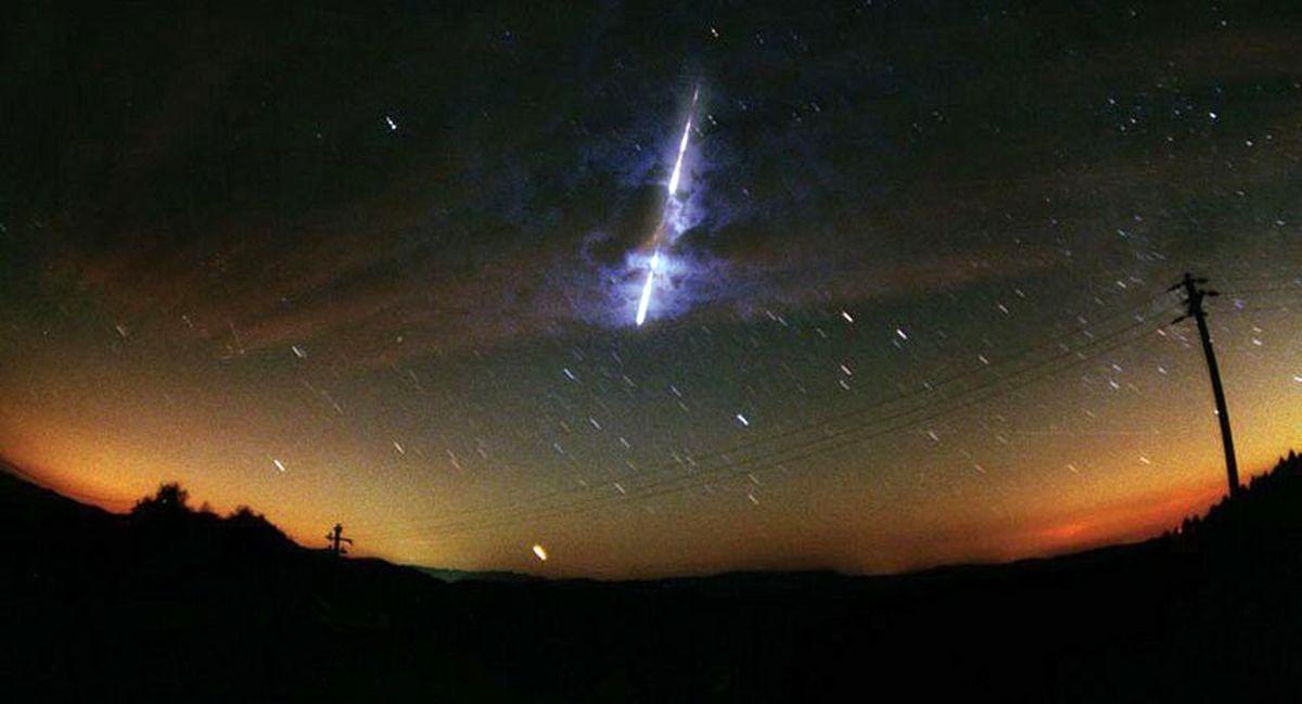 شی نورانی ناشناس در آسمان ژاپن