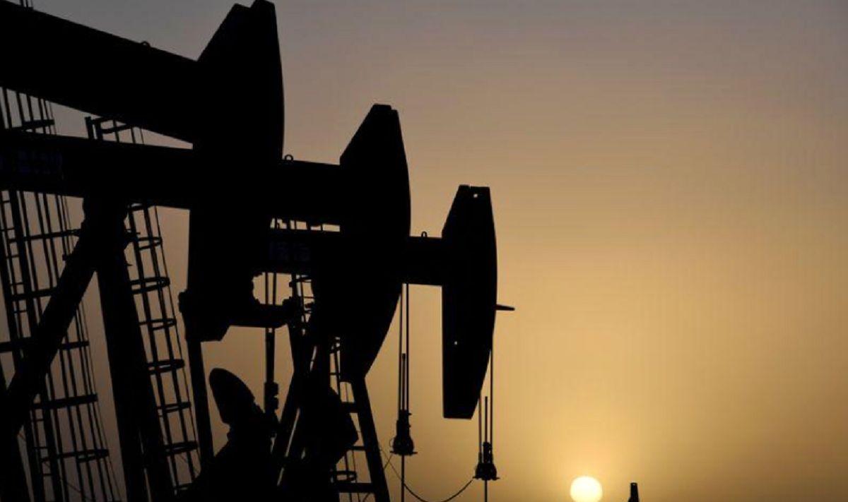 سومین افت متوالی قیمت نفت خام رقم خورد