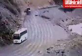 لحظه برخورد اتوبوس به کوه در جاده هراز +فیلم