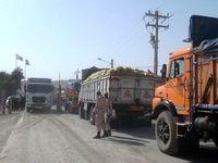 ماجرای کامیونهای پشت مرز مانده چه بود؟