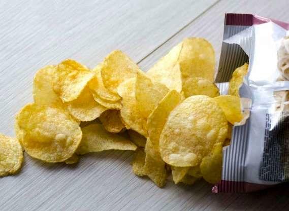 ۵ ماده غذایی که سیستم ایمنی بدن را تضعیف میکنند