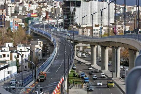 انتقاد شدید آخوندی از پلهای ۲ طبقه در تهران