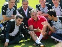 هدیه احمدی نژاد به کارلوس کیروش +عکس