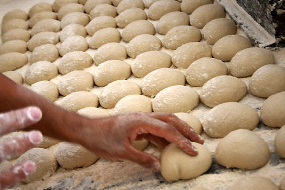 نمک نان نصف میشود/ ۷۰ هزار نانوا تحت نظارت وزارت بهداشت