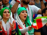روایتی از حضور زنان در استادیوم 100هزارنفری آزادی