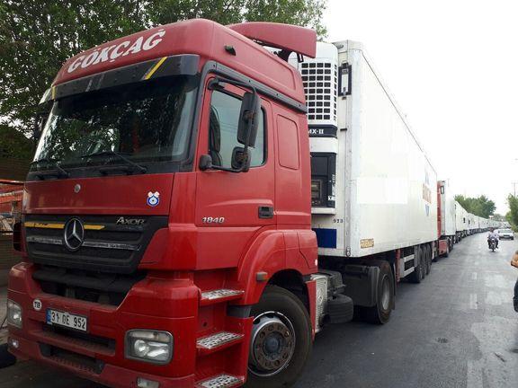 صف کامیونهای ترکیه در گمرک بوشهر +عکس