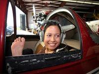 زن خلبان بدون دست در آمریکا +فیلم