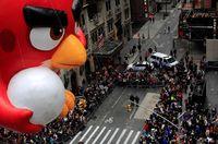 رژه جشن شکرگزاری نیویورک با حضور بالونهای عروسکی غولپیکر