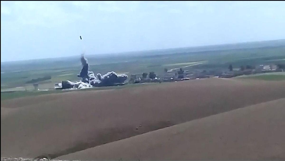 انتحاری زدن داعش در آسمان عراق +فیلم