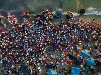 بازار ساحلی ماهیفروشان در عکس روز نشنال جئوگرافیک