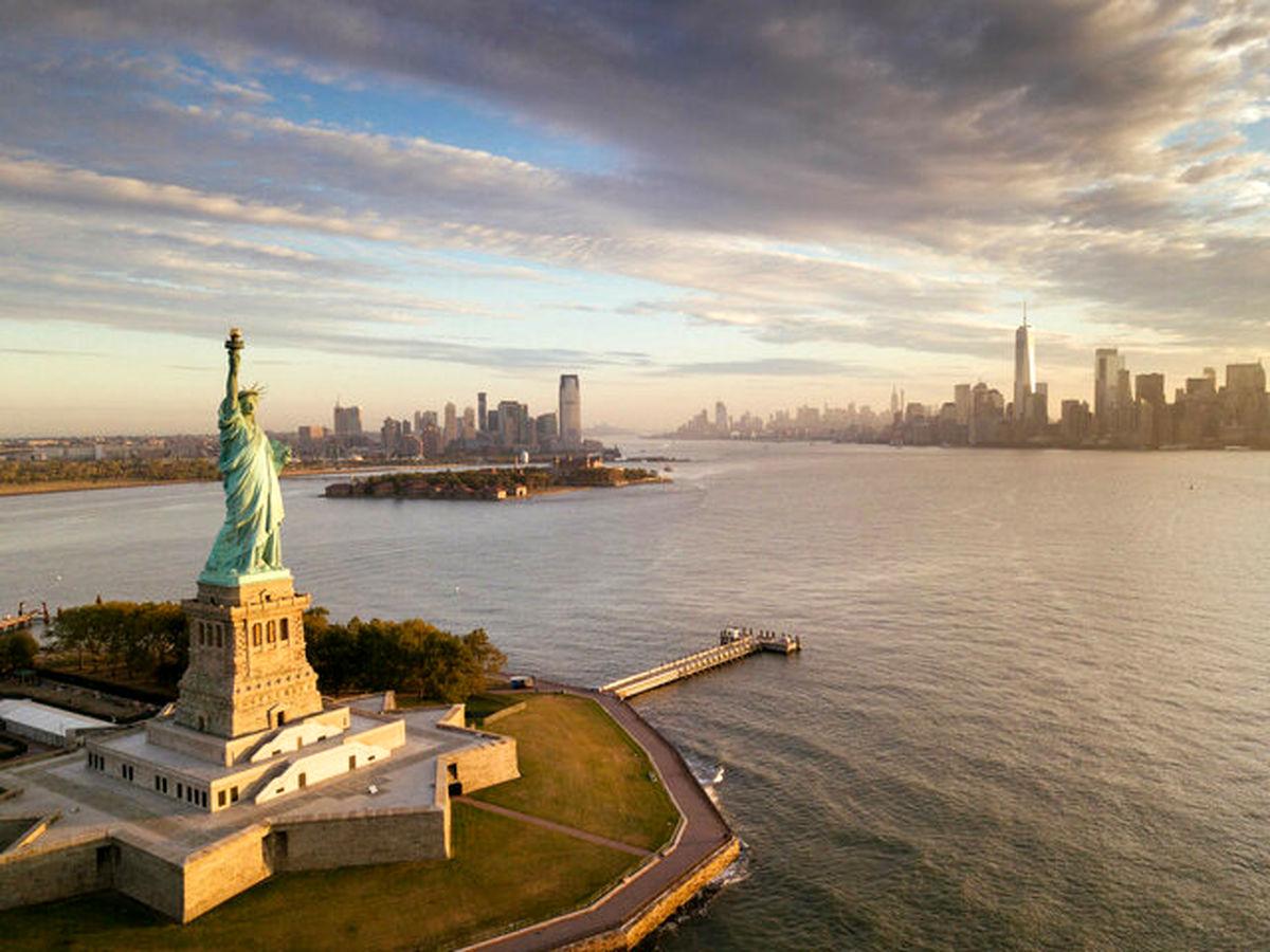 اعمال مقررات منع آمد و شد در نیویورک