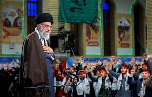 رهبر انقلاب: نسل جوان امروز برای عقبراندن دشمن از نسل اول آمادهتر است