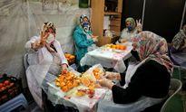 تهیه آبمیوه در مسجد برای بیماران مبتلا به کرونا +تصاویر