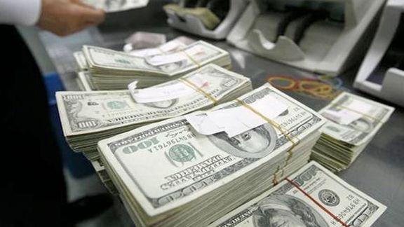 پیشبینی یک فعال بازار از آینده قیمت دلار/ بیاعتنایی مردم نسبت به اخبار سیاسی خارجی