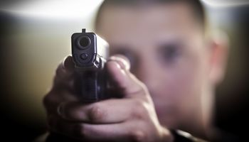 درگیری مسلحانه در یک تالار عروسی