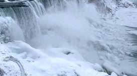 یخ زدن قسمتی از آبشار نیاگارا +فیلم