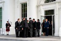 تشییع جنازه در کاخ سفید بدون ماسک انجام شد