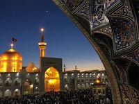 غبارروبی و گل آرایی حرم امام رضا(ع) در آستانه عید نوروز +فیلم