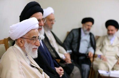 دیدار اعضای مجلس خبرگان با رهبر +عکس
