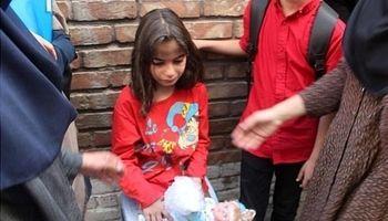 نجات کودک ۶ساله از دل آتش +تصاویر