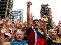 تصاویر لحظه به لحظه قیام مردم ونزوئلا